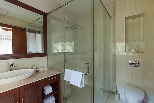 Upstairs bedroom bathroom with indoor shower